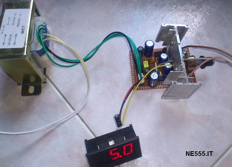 Alimentatore Duale Regolabile da 1.5V a 20V, 5A NE555.IT