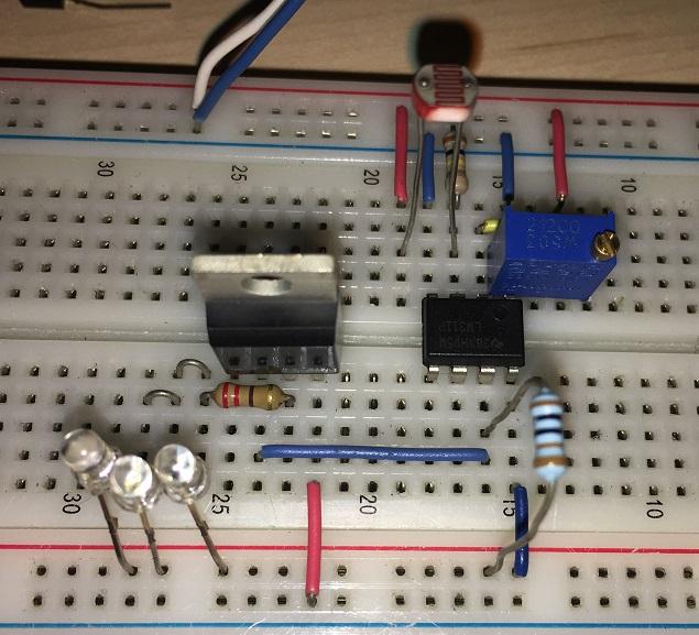 crepuscolare-breadboard-led-mosfet