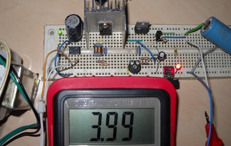 Schema Elettrico Per Carica Batterie Al Litio : Caricabatteria per batterie li ion ne555